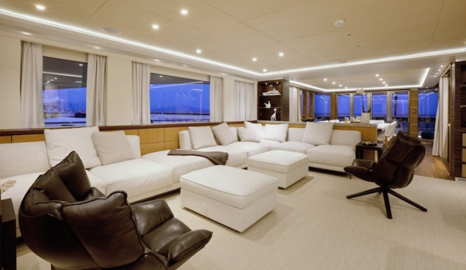 Luxury catamaran QUARANTA - Main salon