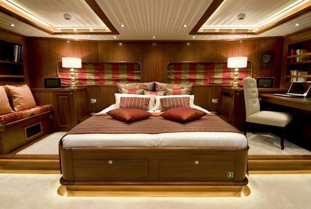 Luxury yacht CLEAR EYES - Master suite
