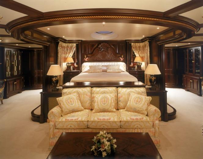 Luxury yacht FREEDOM - Master suite