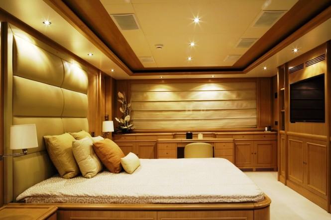 Luxury yacht HANA - Master suite