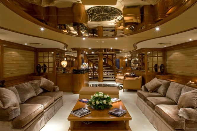 Luxury yacht INSIGNIA - Main salon