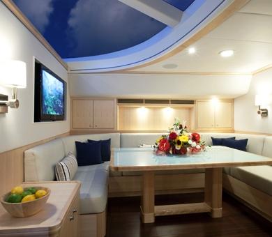 Luxury yacht NOSTROMO - Salon dining area