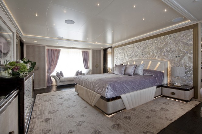 Luxury yacht SCORPION - Owner's suite