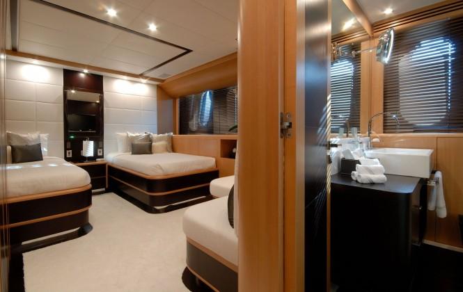 Motor yacht Pure One -twin cabin