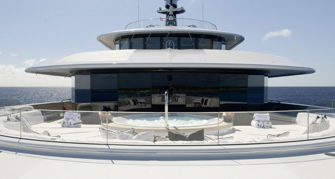 PHOENIX 2 jacuzzi - Photo credit Lurssen