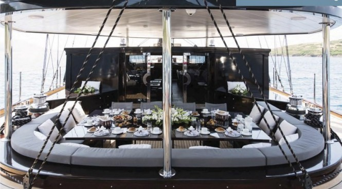 Superyacht ROX STAR - Aft deck dining