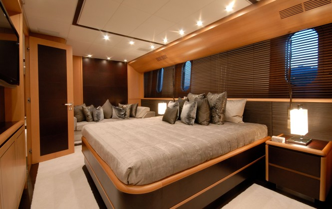motor yacht Pure One - cabin