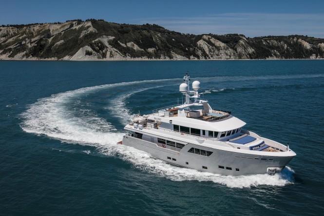 GALEGO yacht running