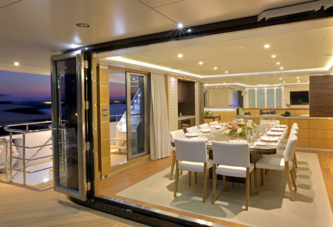 Luxury catamaran QUARANTA - Formal dining area and main deck aft