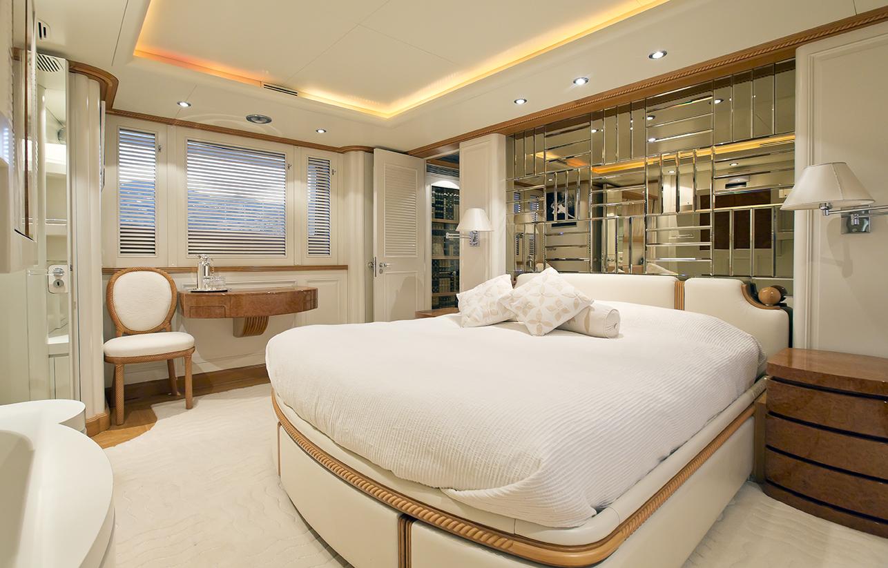 Luxury Yacht Desamis B Master Suite Yacht Charter Superyacht News