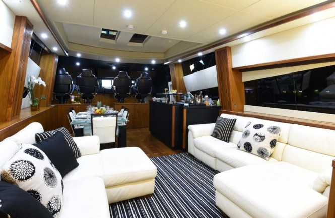 Luxury yacht DOUBLE D - Salon and formal dining area
