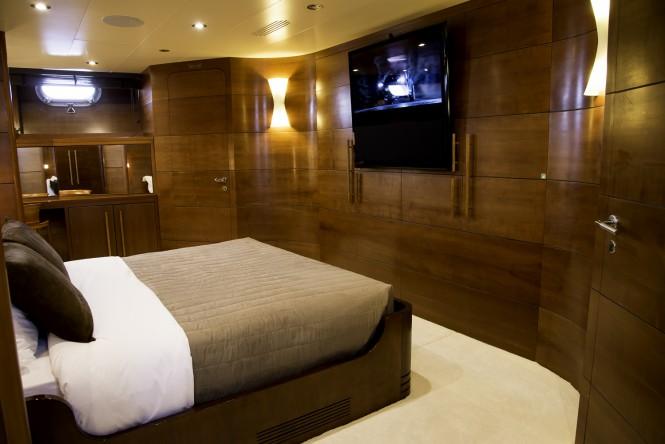 Luxury yacht FIORENTE - Master suite