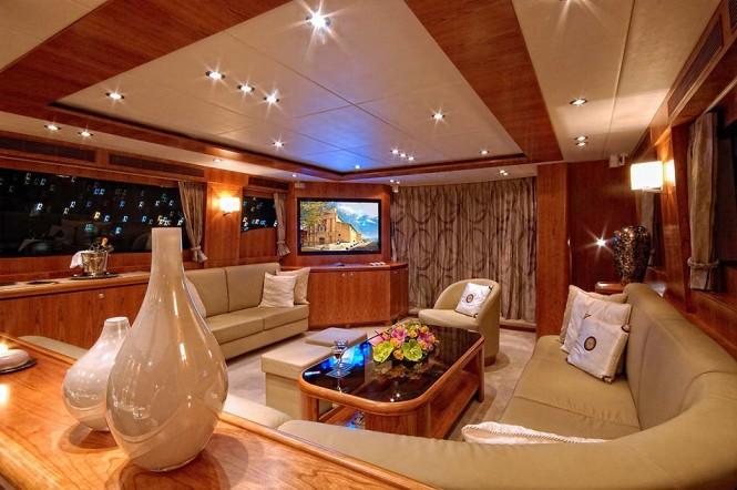 Luxury yacht JO - Main salon