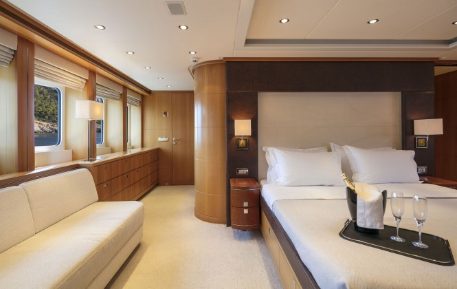 Luxury yacht L'EQUINOX - Master suite