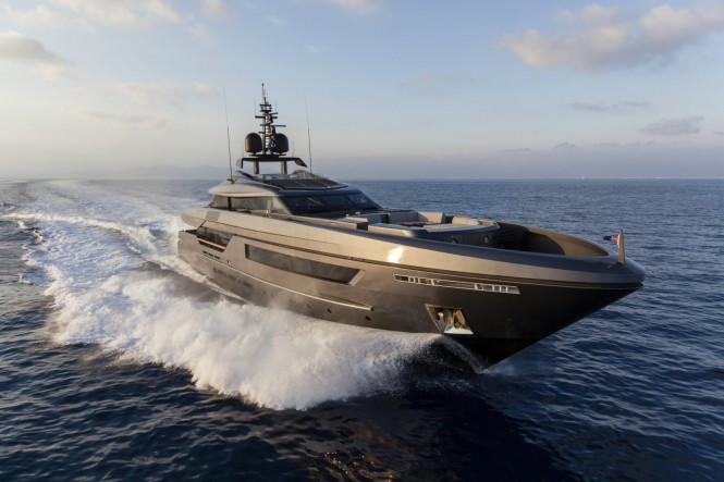 Luxury yacht LUCKY ME - Built by Baglietto
