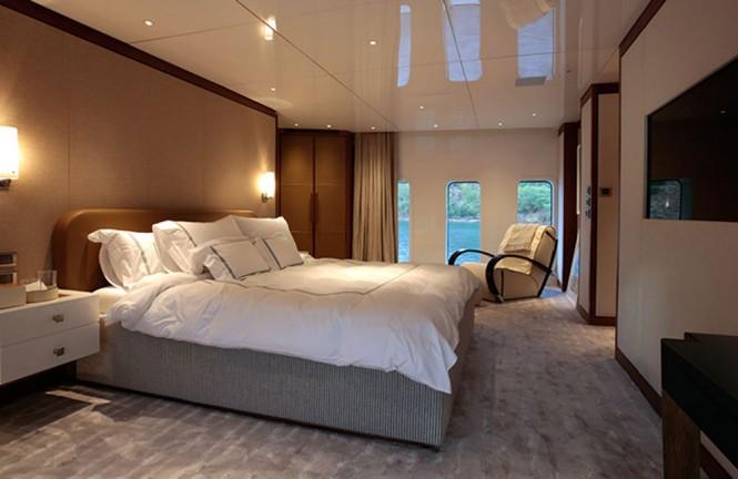 Luxury yacht ORIENT STAR - Master suite