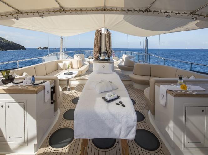 Luxury yacht PANTHALASSA - Massage table on the flybridge