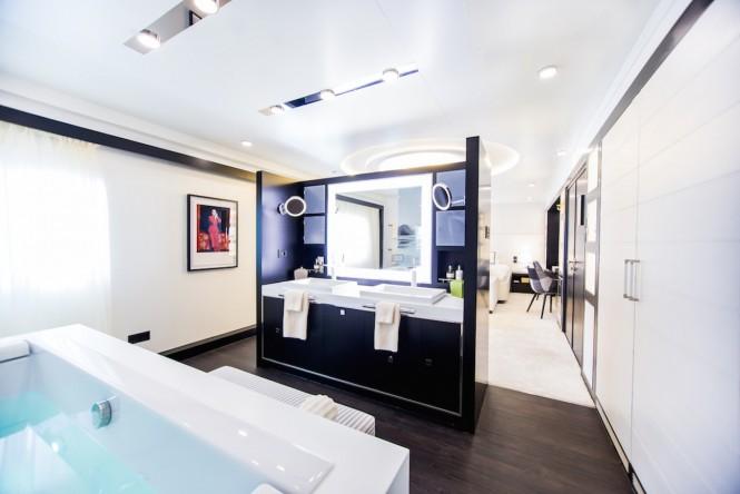 Luxury yacht SALUZI - Master en-suite
