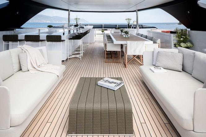 Luxury yacht SEVEN SINS - Sundeck