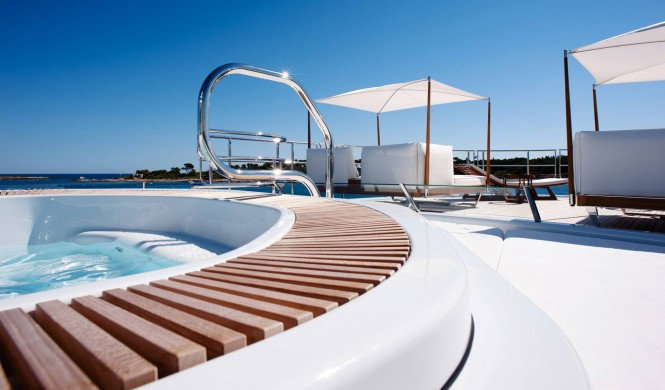 Luxury yacht STEP ONE - Sundeck Jacuzzi and seating. Photo credit Amels