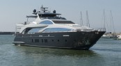 Luxury yacht TAIL LIGHTS - Built by Azimut