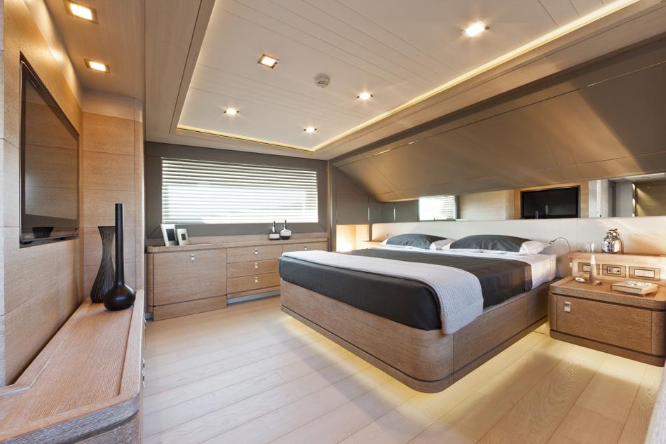 Luxury Yacht Ziacanaia Master Suite Yacht Charter Superyacht News