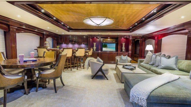 M/Y CLAIRE - Skylounge