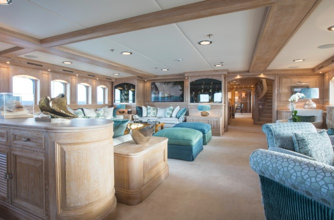 M/Y NERO - Main salon