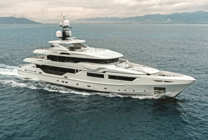 Mega yacht ENTOURAGE - Built by Technomar