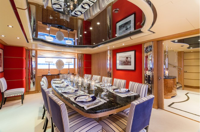 Motor yacht AIR - Formal dining