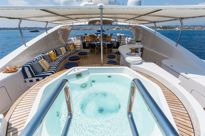 Motor yacht AIR - The sundeck Jacuzzi
