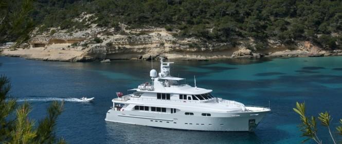 Motor yacht CHRISTINA G - Built by Kingship Magellan