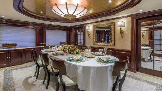 Motor yacht CLAIRE - Formal dining area