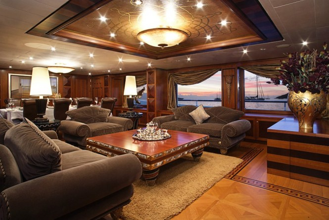 Motor yacht DENIKI - Main salon