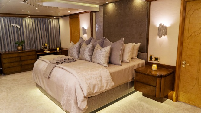 Motor yacht GRAND ILLUSION - Master suite