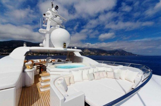 Motor yacht HANIKON - Sundeck with Jacuzzi