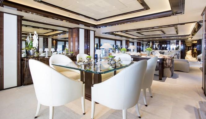 Motor yacht ILLUSUON V - Formal dining