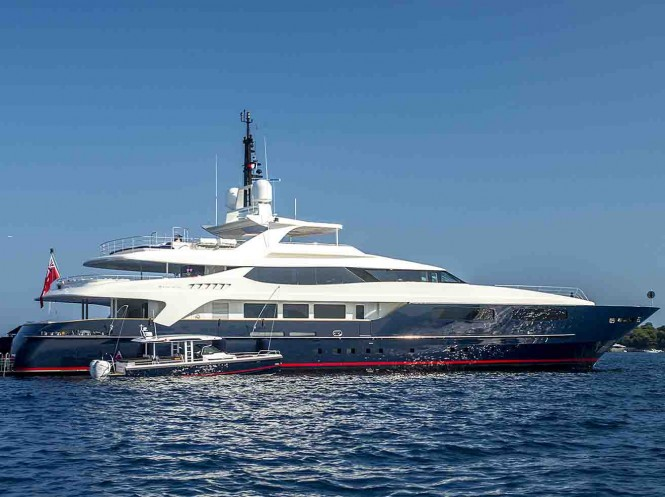 Motor yacht MISCHIEF with tender - Built by Benetti
