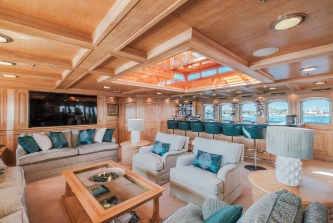 Motor yacht NERO - Skylounge