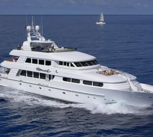 Charter luxury yacht Nicole Evelyn in New York