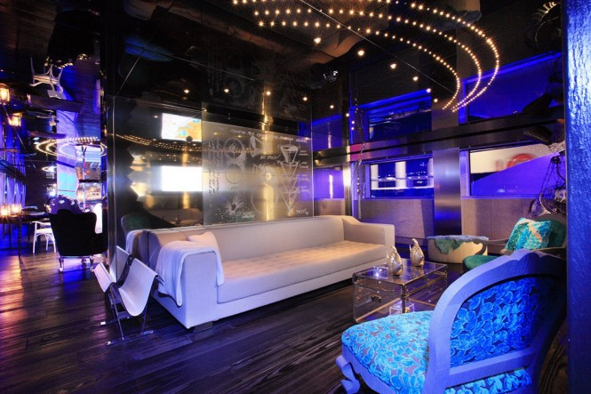Motor yacht SEA FORCE ONE - Main salon seating area. Photo credit Luca Dini Design