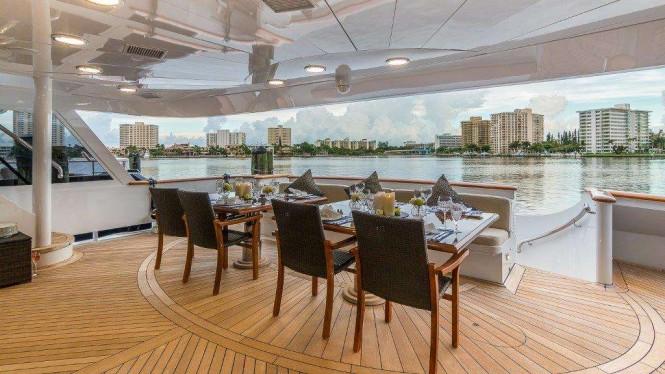 Superyacht CLAIRE - Main deck aft