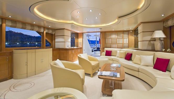 Superyacht DESAMIS B - Main salon