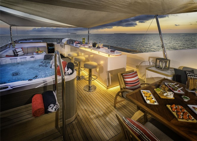 Superyacht GLADIUS - Evening on the sundeck