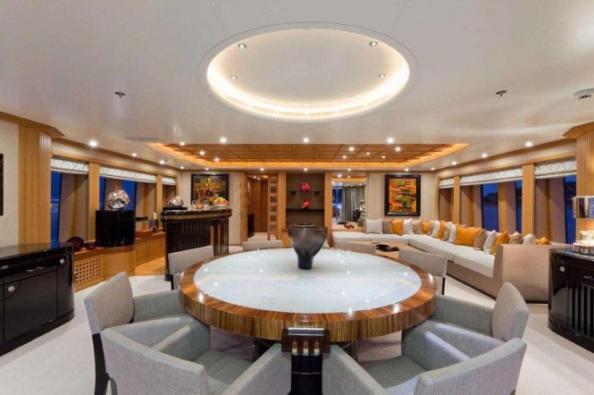 Superyacht HANIKON - Skylounge with formal dining