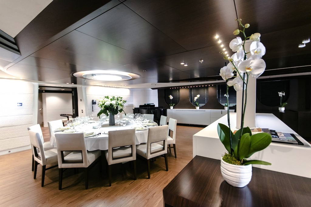 Superyacht katina formal dining area yacht charter for Formal dining area