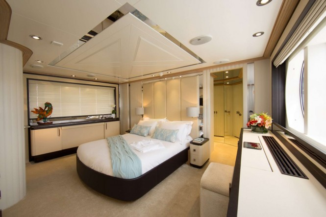 Superyacht LA MASCARADE - Master suite