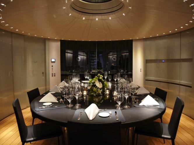 Superyacht PANTHALASSA - Formal dining area