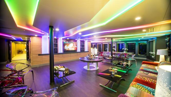 Superyacht SALUZI - Main deck salon in the evening