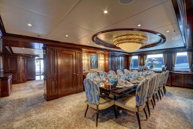 Superyacht SOVEREIGN - Formal dining room